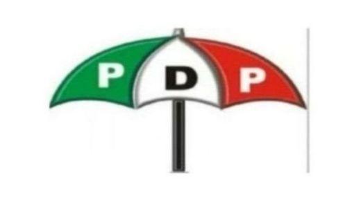 Sanata Makarfi ya ce ba PDP ce ta yi zawarcin Atiku ba
