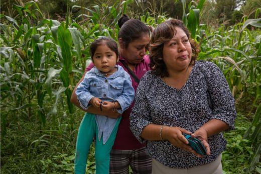 Da esquerda para a direita, Xiamara Kaori Flores, Jazmin Sanchez e Maria del Rosario Rodriguez
