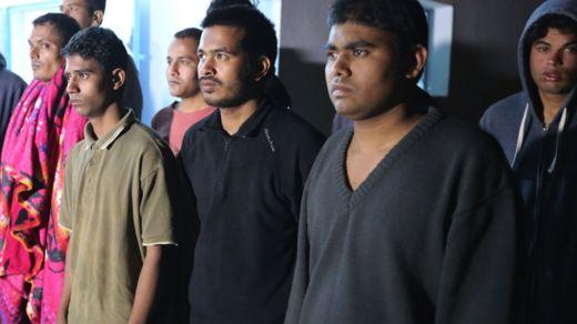 তিউনিসিয়ায় জারযিজে একটি আশ্রয় কেন্দ্রে সাগর থেকে উদ্ধারকৃত কয়েকজন। অধিকাংশই বাংলাদেশী