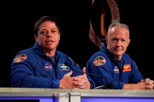 Боб Бенкен (слева) и Даг Херли
