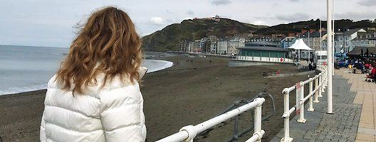 Adele looking out to the sea