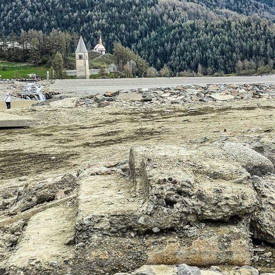 Desa Curon di Italia yang muncul karena kekeringan danau Resia