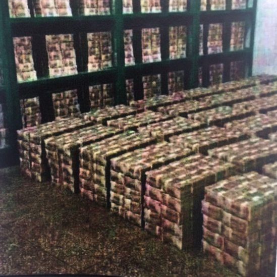 A photo tweeted by Venezuela's governing PSUV party seems to show stacks of 100-bolivar notes in a room