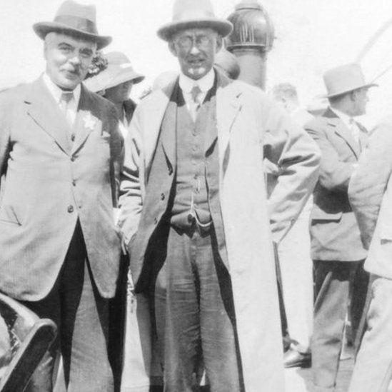 Frank Watson Dyson (left) and Arthur Stanley Eddington. Date unknown