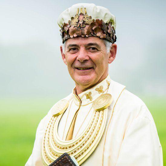 Yr Archdderwydd newydd Myrddin ap Dafydd