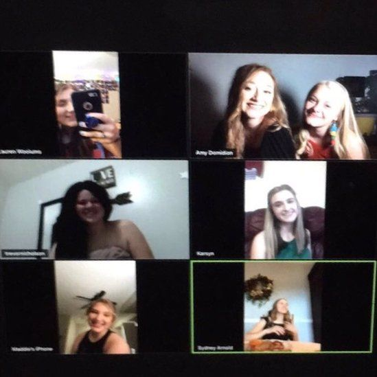 Isabella and her friends holding a chat on Zoom