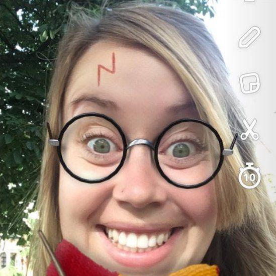 Hannah Owens as Harry Potter