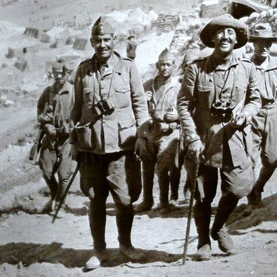 Franco with legionnaires in 1925