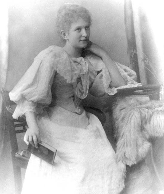 Mary Ellen Parry yn 21 mlwydd oed
