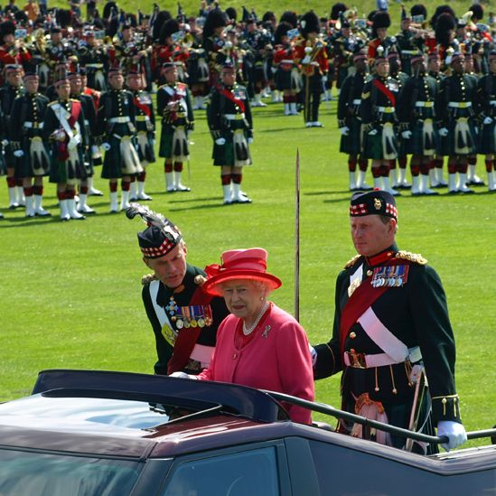 The Queen and soldiers from the Royal Regiment of Scotland