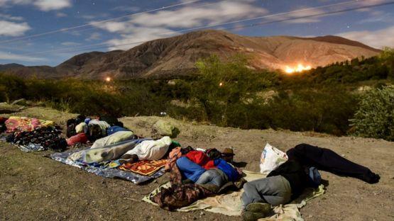 Венесуэльские мигранты в Эквадоре по пути в Перу