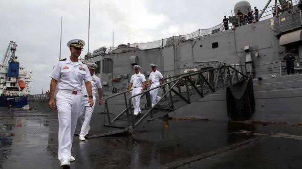 Tàu chiến Mỹ cập cảng Philippines ở Biển Đông