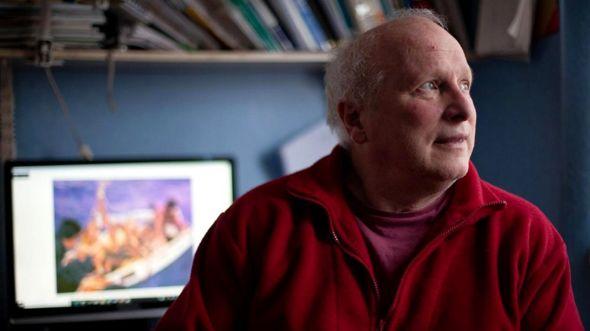 Дуглас Робертсон, которому сейчас 65, испытал все прелести столкновения маленькой яхты с косаткой
