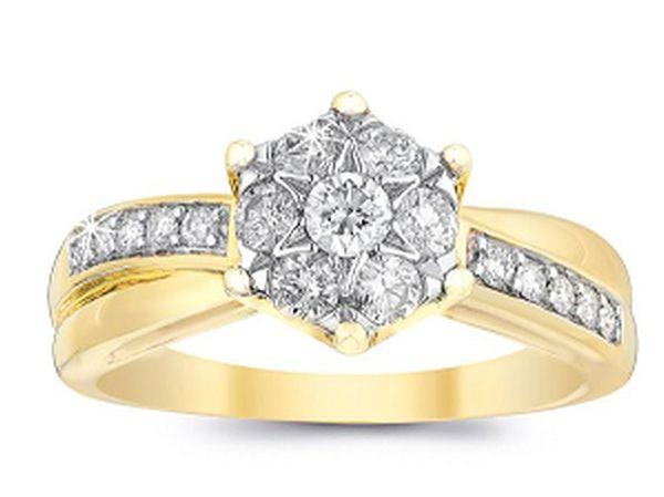 Charlotte Murray's engagement ring