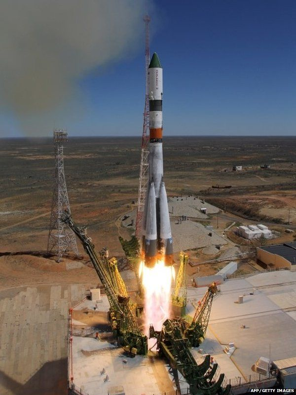"""Russia""""s Progress M-27M cargo ship blasts off from the launch pad at the Russian-leased Baikonur cosmodrome in Kazakhstan on April 28, 2015."""