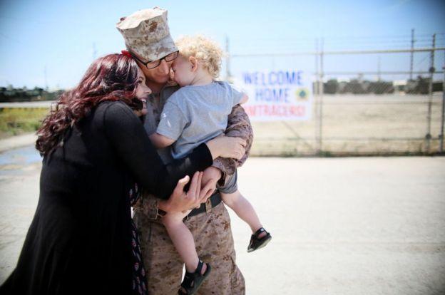 US soldiers return home