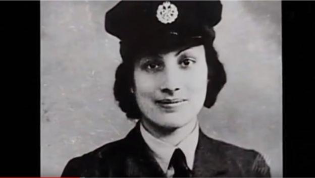 نور عنايت خان خلال فترة تجنيدها في سلاح الجو المساعد للسيدات