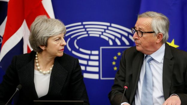 Theresa May ve Jean-Claude Juncker