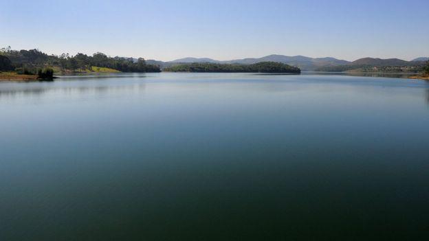 Sistema Cantareira vive redução do nível de água com falta de chuva