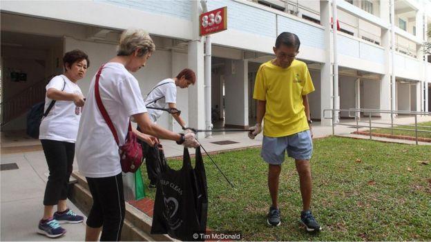 Voluntários no dia de limpeza