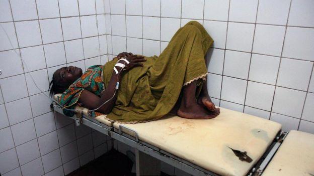 Kamara en un hospital de Sierra Leona.