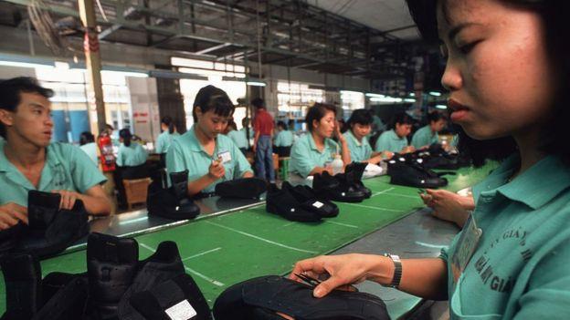 Bộ luật Lao động sửa đổi 2109 cần phải được nhà nước Việt nam sửa đổi nhiều hơn nữa thì mới thực sự đạt được cải tiến cần có để phục vụ cho quyền lợi của người lao động.