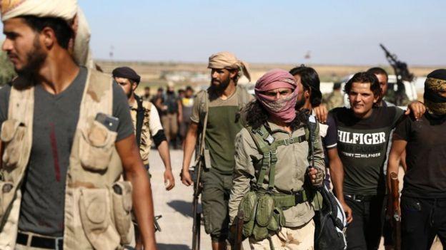 """Barış Pınarı Harekatı'na katılan Suriyeli muhaliflerin oluşturduğu """"Milli Ordu"""" askerleri"""
