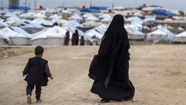 نازحون موجودون في معسكر الحول شما شرقي سوريا