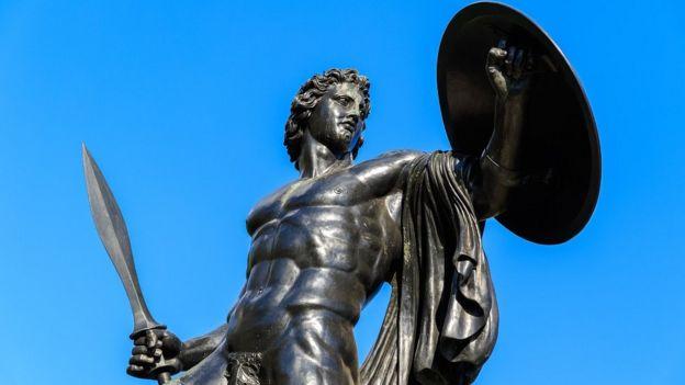 La estatua de Aquiles en Hyde Park, en Londres