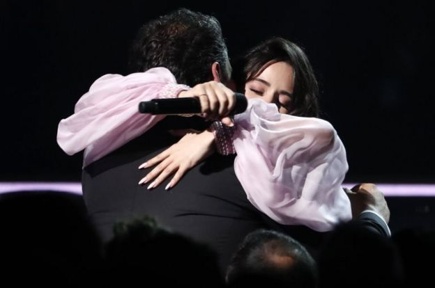 Camila Cabello dedicó su presentación a su padre.