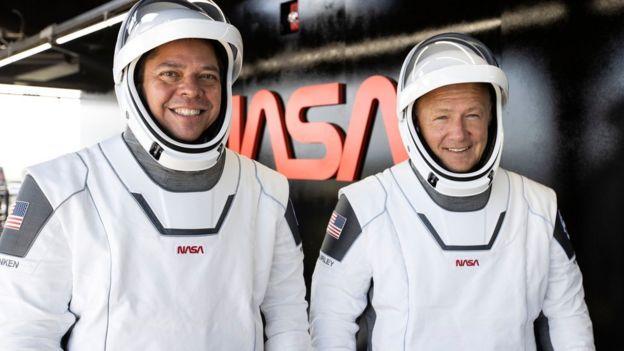 Астронавты Херли и Бенкен