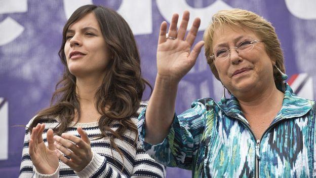 Michelle Bachelet y Camila Vallejo están entre las que criticaron el chiste.