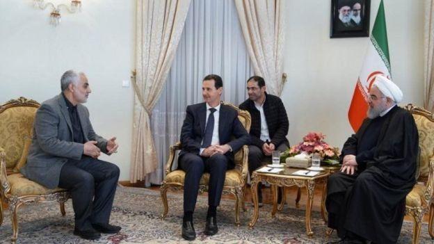 در دیدار بشار اسد رئیس جمهور سوریه با حسن روحانی، وزیر خارجه غایب بود اما سرلشکر پاسدار قاسم سلیمانی حضور داشت