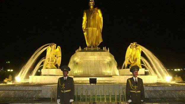 Cố tổng thống Saparmurat Niyazov