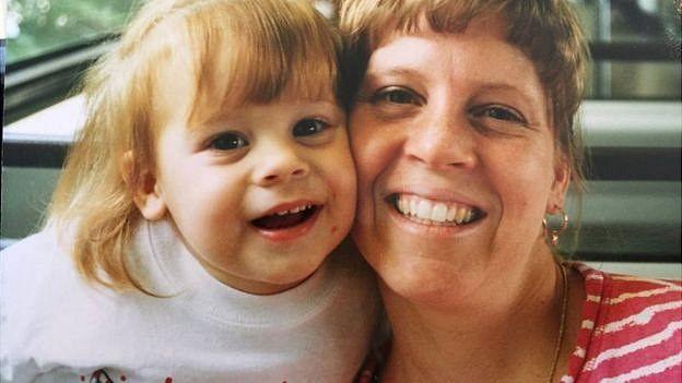 Victoria con su madre