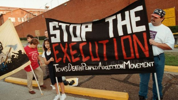 Manifestantes protestam contra pena de morte no Texas
