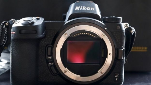 Nikon mirrorless Z7 and Z6 full-frame cameras launch - BBC News