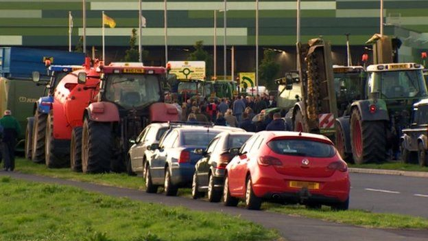Farmers protesting in Bridgwater