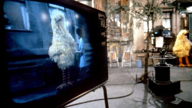 La filmación de uno de los primeros episodios de Plaza Sésamo en EE.UU. en marzo de 1970