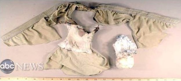 صمم العسيري قنبلة الملابس الداخلية التي استخدمها رجل نيجيري يدعى عمر فاروق عبد المطلب، في محاولة لتفجير طائرة ركاب أمريكية