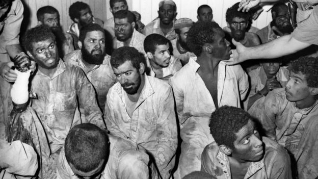 گروهی از شبه نظامیان به رهبری جهیمان عتیبی بعد از پایان گروگانگیری؛ بیشتر شبه نظامیان محکوم به اعدام شدند