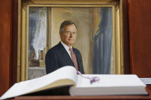 老布什在卸任后随即访台,当年在台湾造成轰动。
