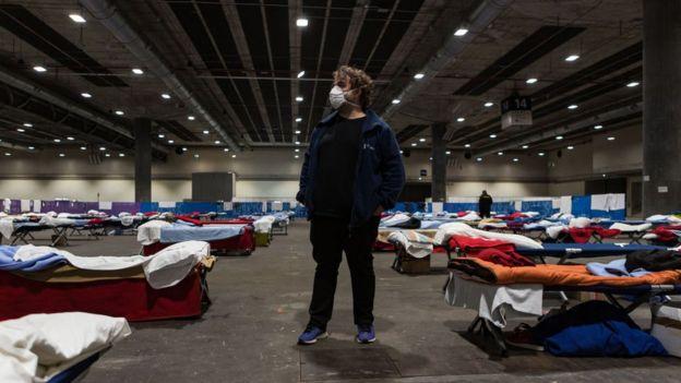 Временный приют для бездомных в Мадриде