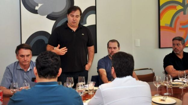 Maia com Bolsonaro e Dias Toffoli (STF) num almoço