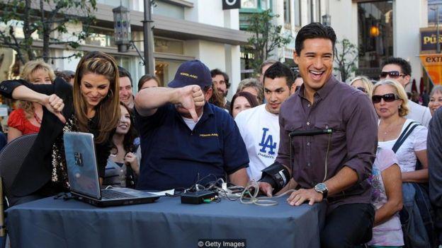 O apresentador americano Mario Lopez passa por um detector de mentiras