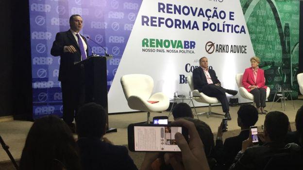 Luís Roberto Barroso discursa em evento do RenovaBR