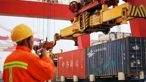 Pelabuhan barang di China