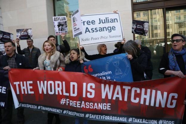 تجمع اعتراضی در حمایت از جولیان آسانژ