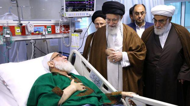 عیادت رهبر ایران از محمود هاشمی شاهرودی در اردیبهشت ماه امسال