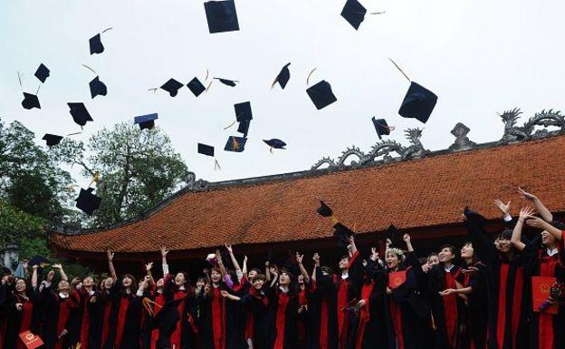 Việt Nam có thể dành nguồn lực tăng cường chất lượng đào tạo, để sinh viên trong nước vẫn chất lượng bằng sinh viên du học.